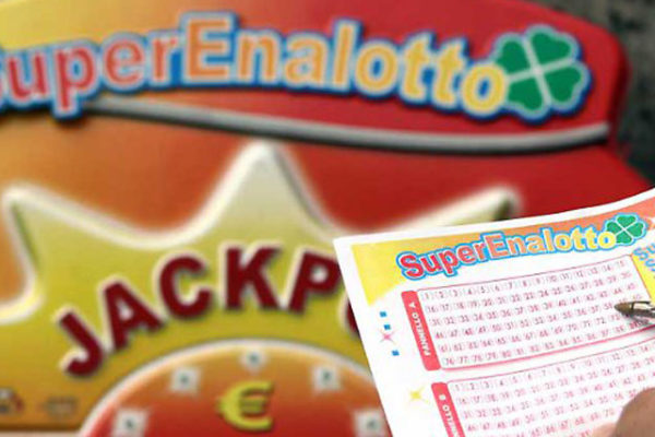 Estrazioni Lotto e SuperEnalotto, 22 gennaio: numeri vincenti oggi e quote, conc n. 10