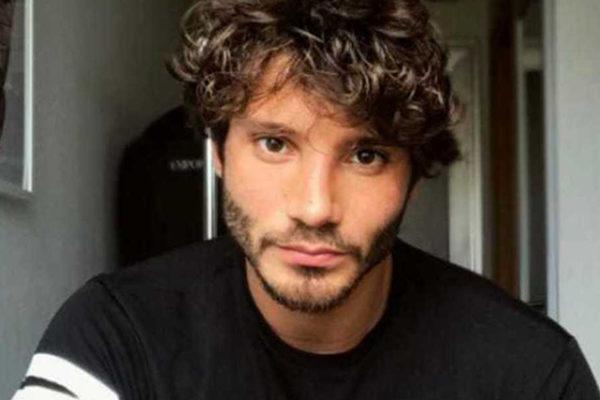 """Stefano De Martino: """"Faccio questo lavoro per soldi, per molta gente sono solo un pezzo di carne…"""""""