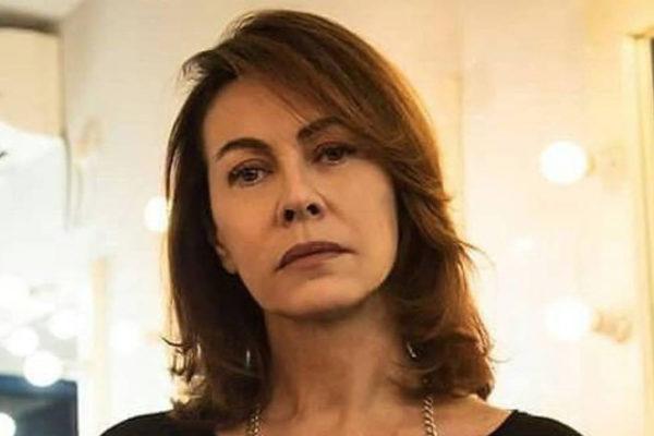 """Elena Sofia Ricci choc """"abusata a 12 anni da un amico di famiglia"""", e su Che Dio ci aiuti 5…"""