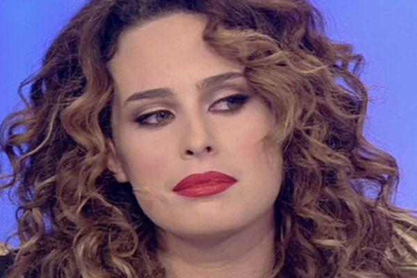 """Sara Affi Fella rompe il silenzio: """"Non guarderò in faccia nessuno, non giocate con la mia salute!"""""""