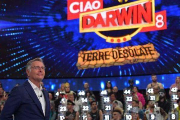 Ciao Darwin 8, terza puntata: Cime contro Rape, ospiti e prove di Paolo Bonolis
