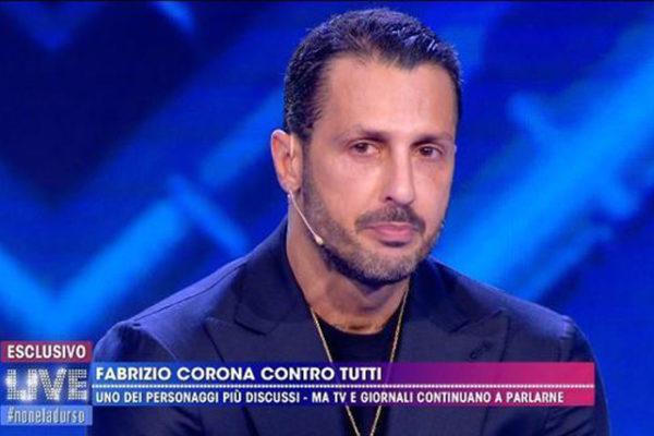 Live – Non è la d'Urso, Fabrizio Corona chiede scusa a Barbara, corteggiamento e promesse – VIDEO