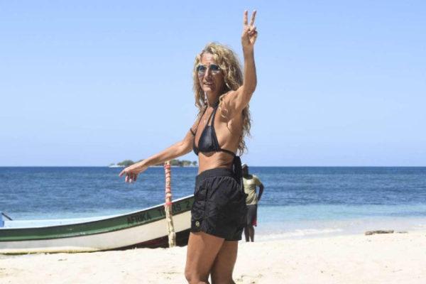 Isola dei Famosi 2019, Jo Squillo abbandona il reality: si è rotta l'osso del piede