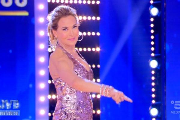Ascolti Tv 1 maggio, Live Non è la d'Urso al top: Carmelita tra Lemme e Paola Caruso sfiora il 15%