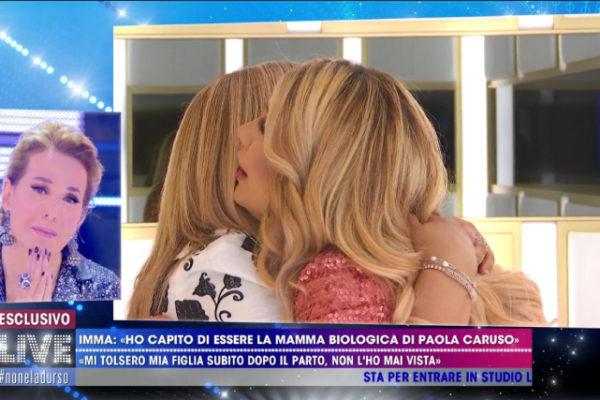 Live – Non è la d'Urso: Paola Caruso, dopo mamma Imma novità anche sul padre