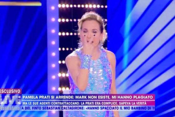"""Barbara d'Urso asfalta Pamela Prati: """"Ma che ne sai di quanto è bello essere mamma?!"""" – VIDEO"""