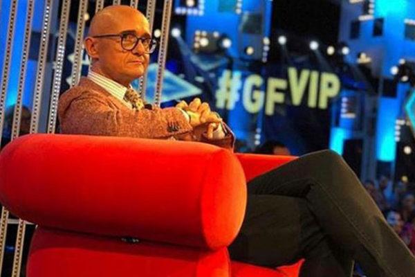 """Grande Fratello Vip: Alfonso Signorini conduttore da novembre, il """"no"""" di Romina Power"""