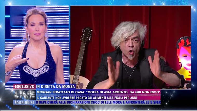 """Morgan contro Asia Argento: """"Iniziatrice di tossicità!"""", e Barbara d'Urso si dissocia"""