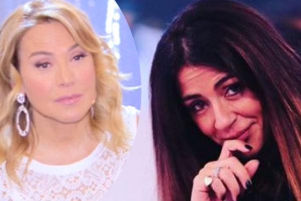 Raffaella Mennoia, frecciatina a Barbara d'Urso: team della De Filippi contro Carmelita?