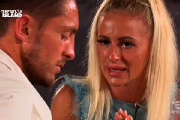 """Ascolti TV 29 luglio: Temptation Island 2019, nuovo boom per Bisciglia e le coppie """"scoppiate"""""""