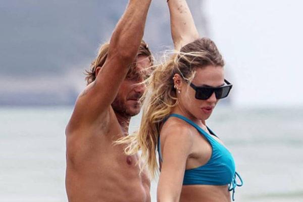 Francesco Totti e Ilary Blasi come Sandra e Raimondo: al via la sit-com, Emma ospite