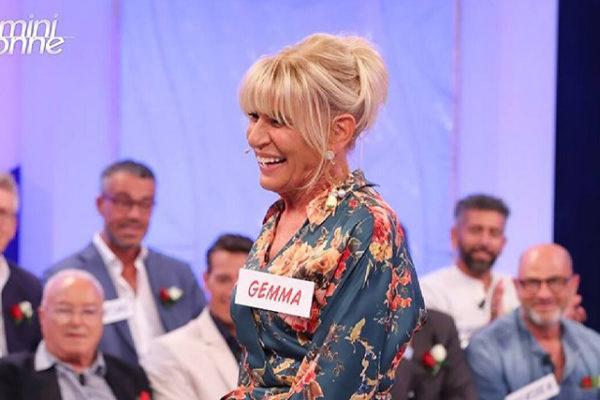 Uomini e Donne Over, Gemma Galgani litiga con Tina Cipollari e Barbara: Stefano sta con Noel