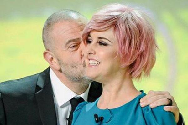 Nadia Toffa, assurda richiesta a Giulio Golia ai funerali: inviato Le Iene senza parole – VIDEO
