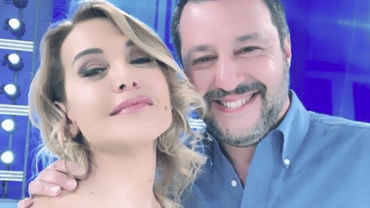 Matteo Salvini ospite di Live Non è la d'Urso: confronto con 5 sfere e novità