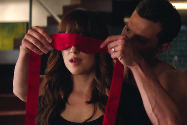 Film in TV, oggi 12 settembre 2019: Cinquanta sfumature di rosso, Power Rangers e altre proposte
