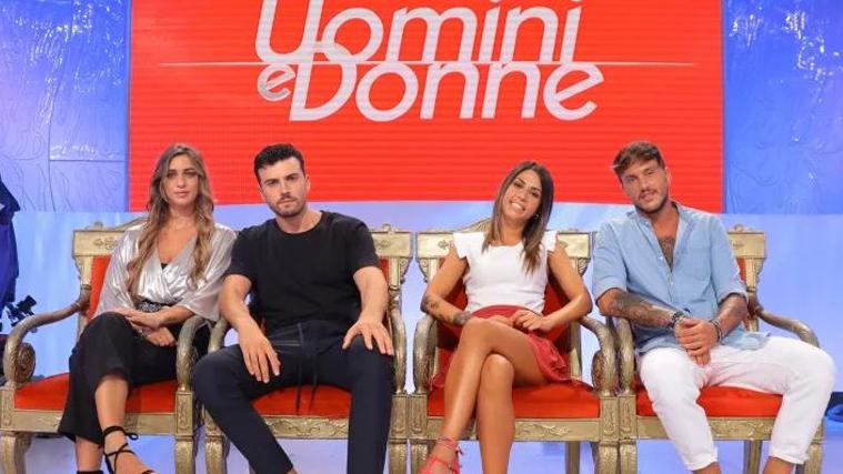 Uomini e Donne, anticipazioni: Javier Martinez torna, Giulio Raselli si infuria con Veronica